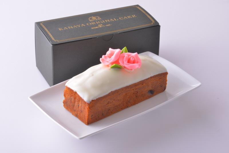 Fruit cake(White).jpg
